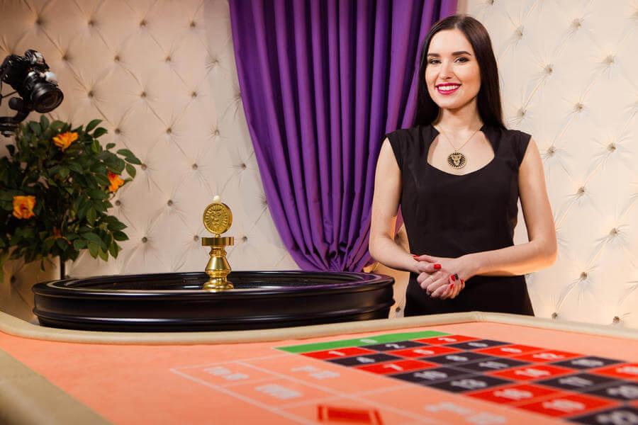 """Gioca alla roulette dal vivo al casinò live LeoVegas """"Chambré Separée""""."""