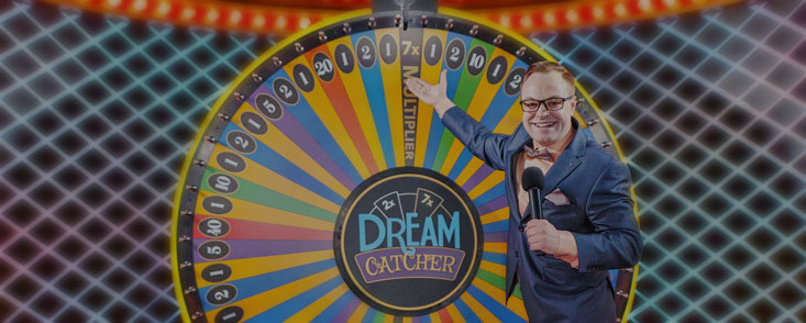 Dream Catcher di Evolution Gaming con presentatore maschile